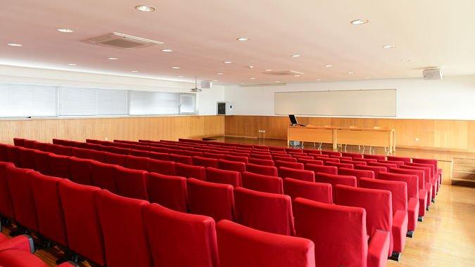 Auditório Médio (150 lugares) - ISCSP-ULisboa