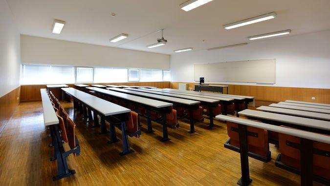 Sala de Aula (96 lugares) - ISCSP-ULisboa