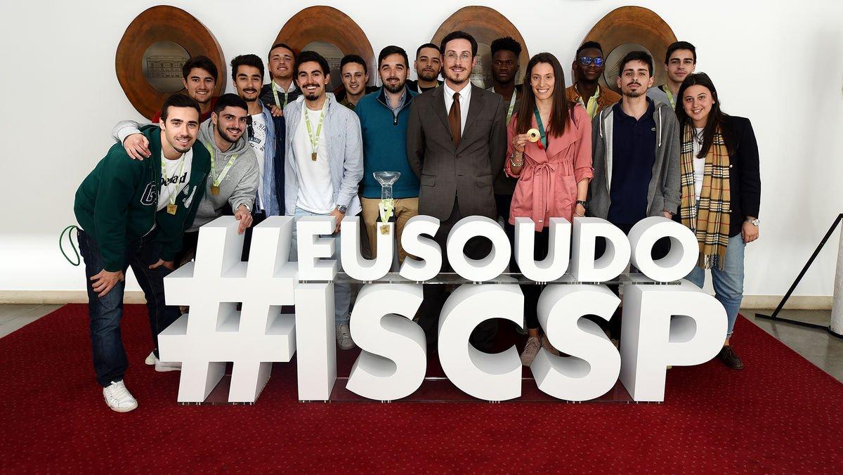 Associação de Estudantes do ISCSP-ULisboa é campeã em salto em altura e futsal distrital