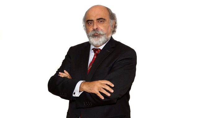 Heitor Barras Romana, Coordenador do Instituto de Estudos Políticos e Estratégicos (ISCSP-IEPE).